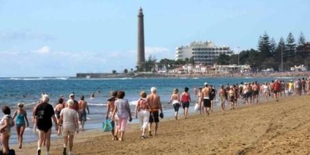 playa de ingles camminata.jpg